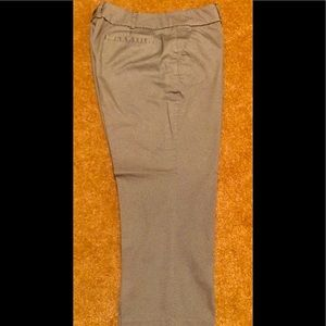 New York & Co - 7th Avenue cropped pants. Sz 6